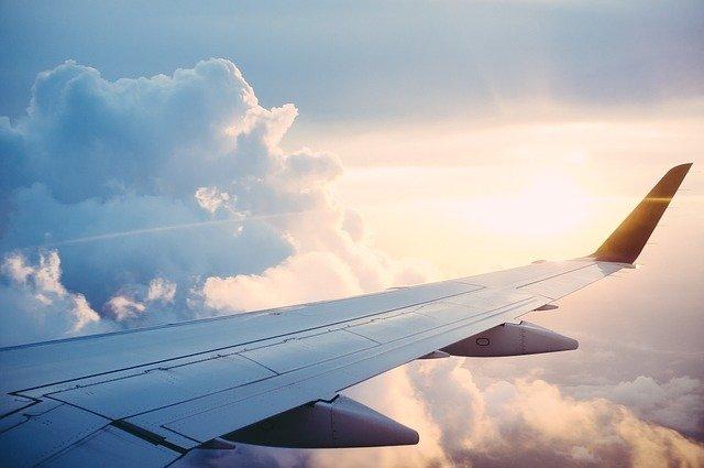 biały szum samolotu do usypiania niemowląt