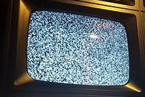 biały szum telewizora do usypiania niemowląt