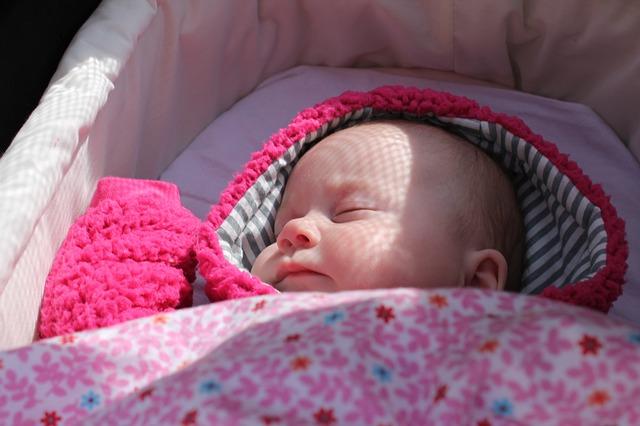 jak usypiać dziecko szumem