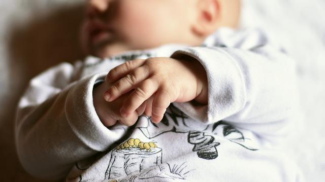 różowy szum do snu dla dziecka zalety