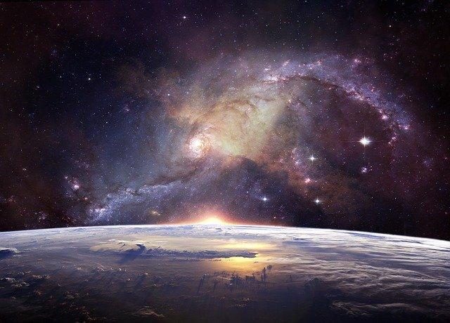 Szum przestrzeni kosmicznej do snu dla przedszkolaków