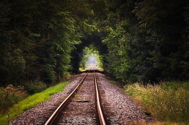 jak wybrać szum pociągu