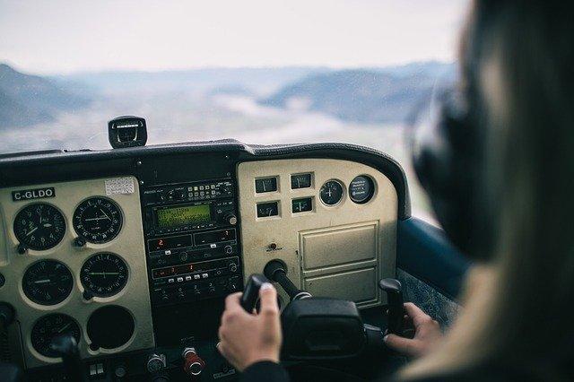 biały szum mechaniczny helikopter