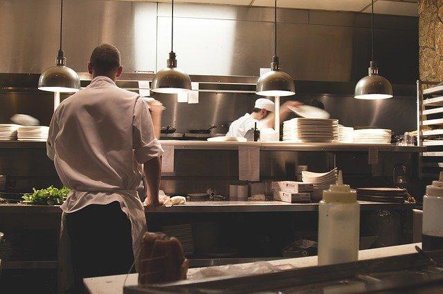 szum restauracyjny odgłosy