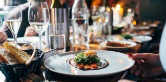 szum restauracji do usypiania