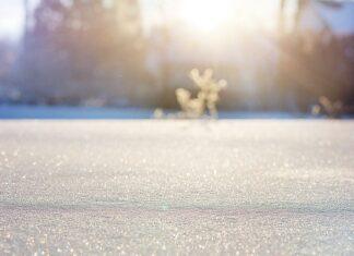 odgłos chodzenia po śniegu do snu